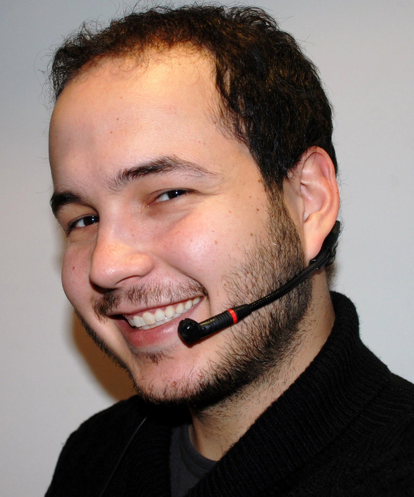 sistema fm con microfono diadema correcto